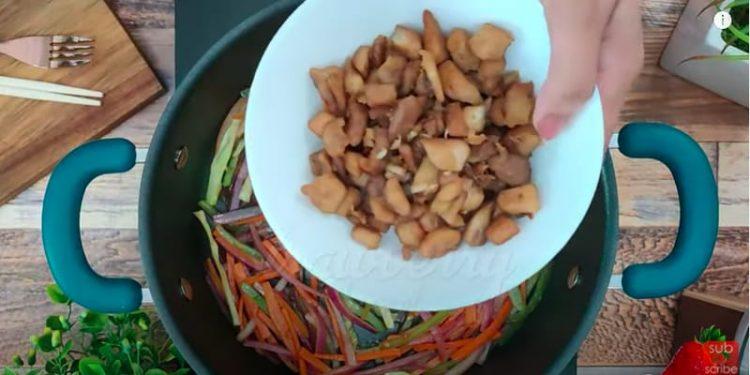 chicken wheat noodles