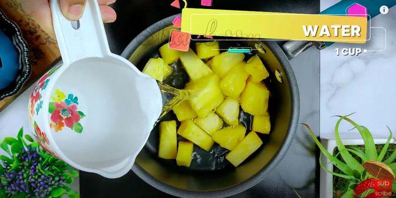 pineapple pulissery