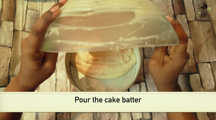 Eggless Banana Rava Cake