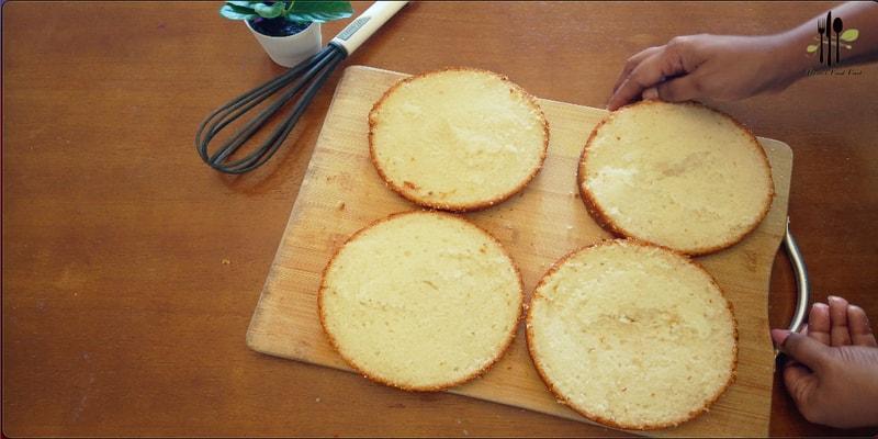 Eggless Vanilla Base Cake
