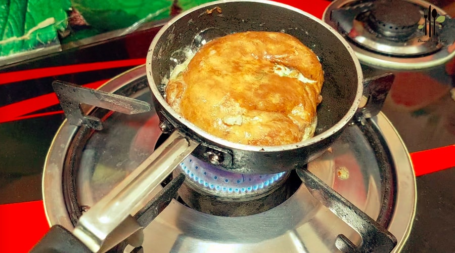Karandi Cheese Omelette